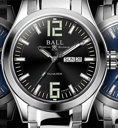 Steel fake watches adapt luminous time scales.