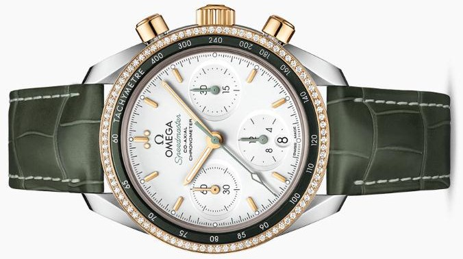 The silvery dials copy watches have green leather straps.