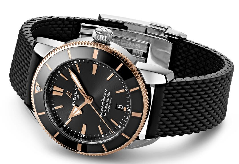 Swiss-made reproduction watches are harmonious with black color.