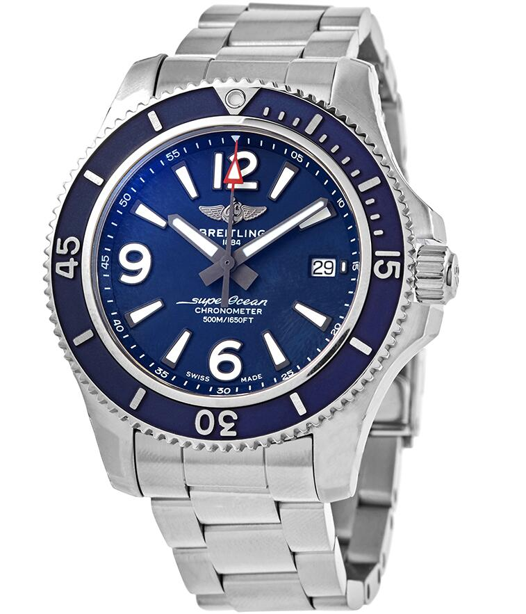 Swiss fake watches are corresponding with blue dials and blue bezels.