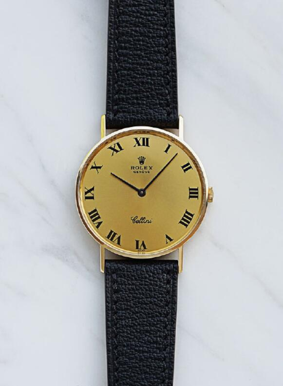 Swiss replica watches are fancy with 18 gold material.